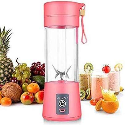Portable and Rechargeable Mini Juice Blender