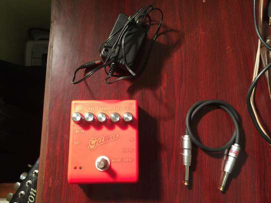 Gilbert extra pedal for distortion