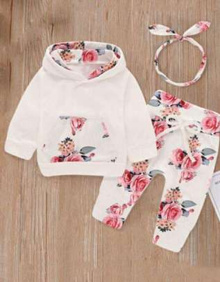 White New Fashion Kids Body And Short