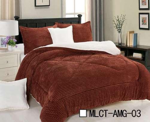 Reversible Luxury 6 pics set comforter - 3 colors image 1