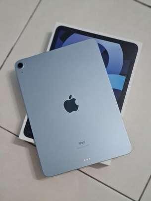 Apple iPad Air 4th Generation (2020) image 1
