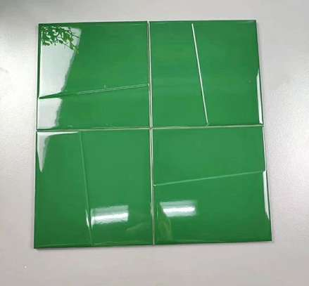 150*150mm Green Glossy Mould Sirface Tiles image 1