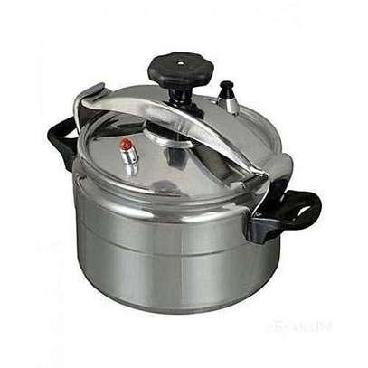 HTH Pressure Cooker