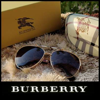 Burberry Avaitors  Unisex  For him /her