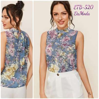 Floral  Print Tie back Sleeveless Too image 1