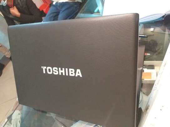 Toshiba core i5 14inch screen image 2