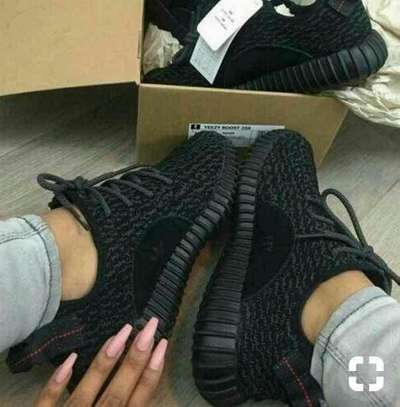 ADIDAS YEEZY SHOES FOR WOMEN