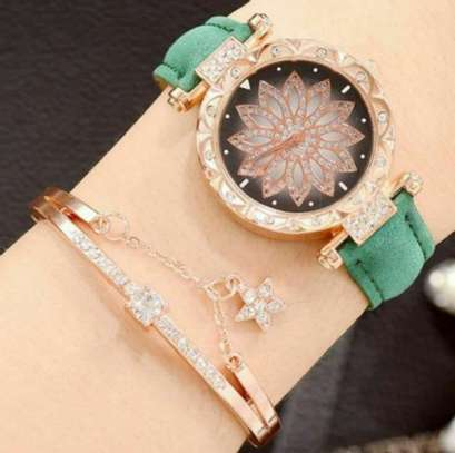 Ladies Hand Watch Set with Bracelet image 3