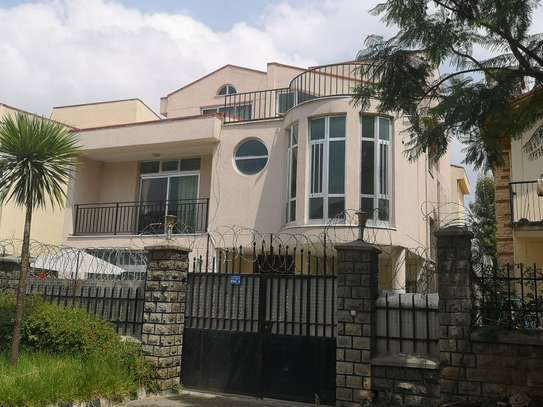 260sqm G+2 House For Sell