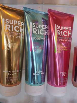 Super Rich Moisturizing Body Wash