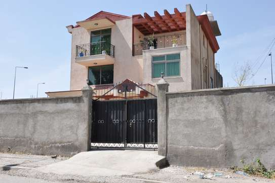 Modern Fully Furnished G+2 and Villa  House for Rent
