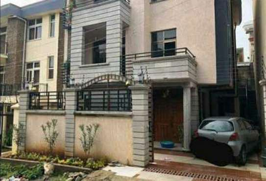 200 Sqm G+2 House For Sale (Semit)