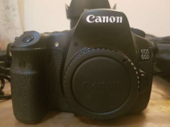 Canon EOS 60D WITH LENSE 18-135mm