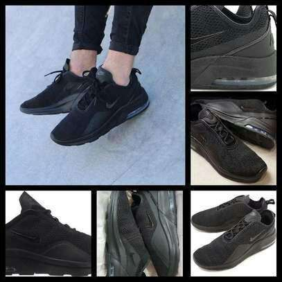 Black Air Motion Shoes