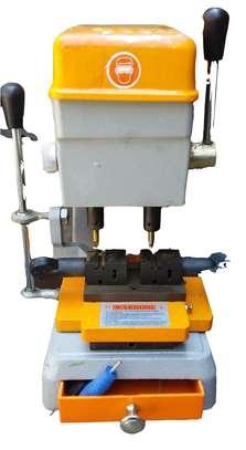 Key Cutting Machine image 1