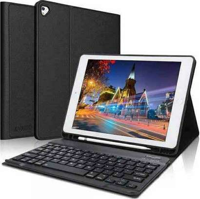 C idea 5G tablet with keyboard image 1