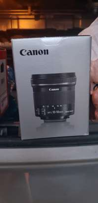 Professional Canon EFS 10-18mm IS STM LENSE image 1