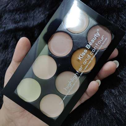Kiss Beauty Highlighter and Contour Palette image 2