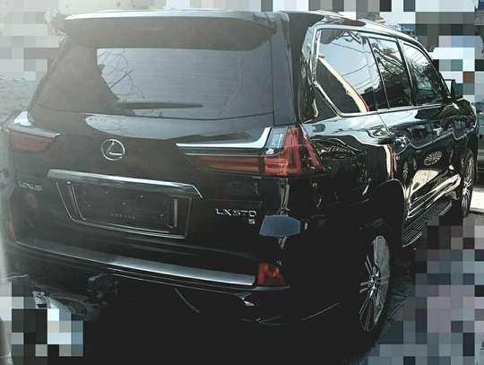 2020 Model-Lexus LX 570 image 5