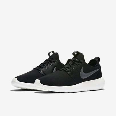 info for 33782 f8543 NIKE ROSHE SHOES