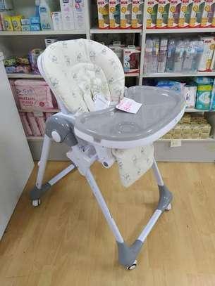 Mama Love Feeding Chair image 1