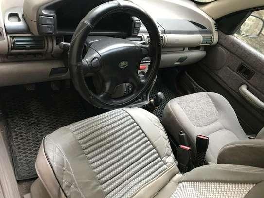 2000 Model Land Rover image 3