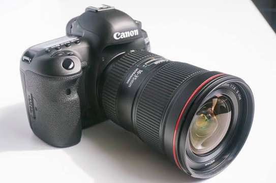 BRAND New Cannon 5D Mark IV Camera