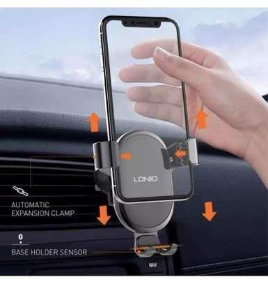 Ldnio Gravity Auto Lock Car Holder for Samsung / Apple image 3