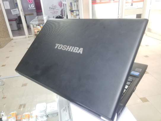 Toshiba core i5  15 inchi screen image 2