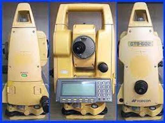Topcon Electronic Total Station (GTS 602) image 1