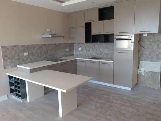 220 Sqm Apartment For Sale image 1