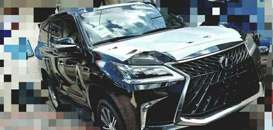 2020 Model-Lexus LX 570 image 4