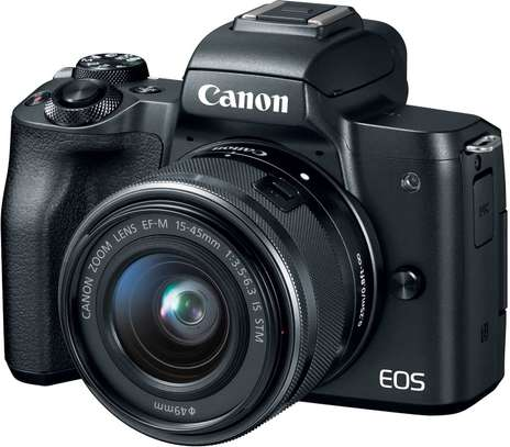 Canon EOS M50 camera with 15-45mm with memory carf