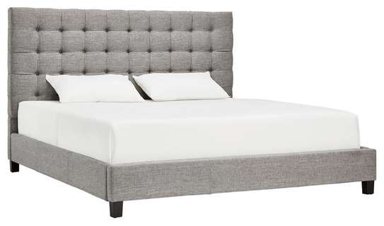 Tufted Bed (1.80 * 1.90)