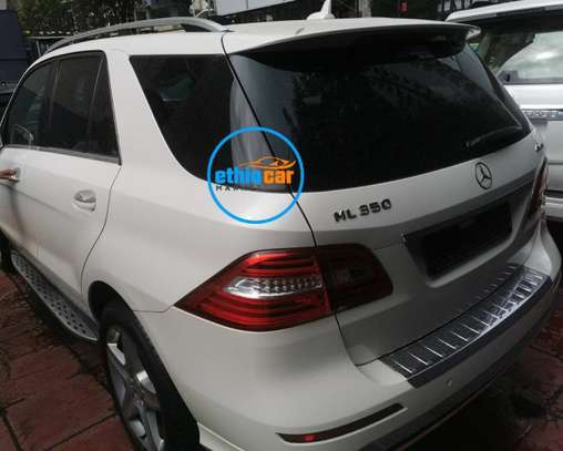 2015 Model Mercedes -Benz ML350 image 2