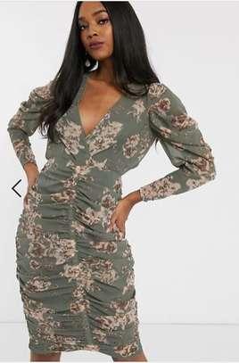 Cute dress image 3