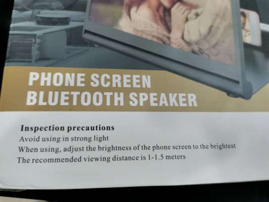 Phone screen bluetooth speaker image 3