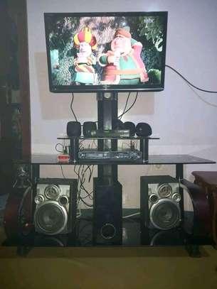 TV STAND 1ሜትር ከ 50 ሳንቲም image 1