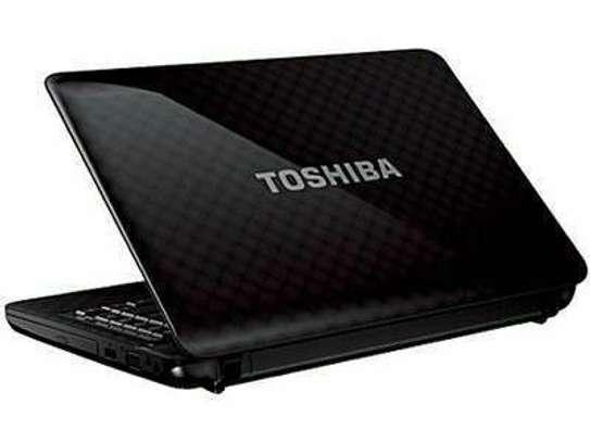Toshiba laptop 10 image 1