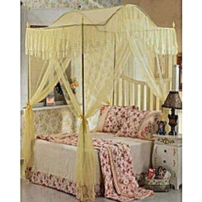 Curved Top Mosquito Net with Metallic Stand