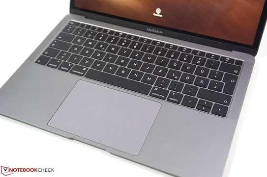 Macbook Air Retina core i5 8gb ram 256ssd 2019 Model amazing condition image 1