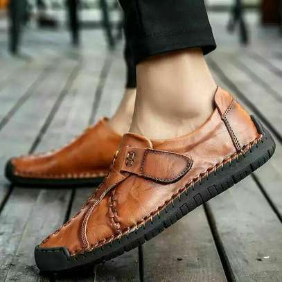 High Quality Genuine Leather Men Flat Shoe image 1