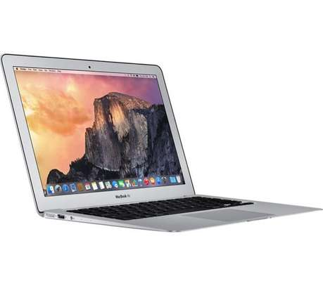 MacBook Air core i5 4gb ram 128ssd 13inch very good condition