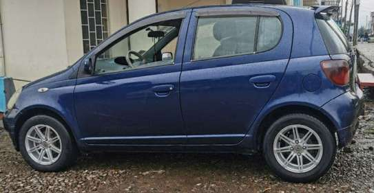 2000 Model Toyota Vitz image 1