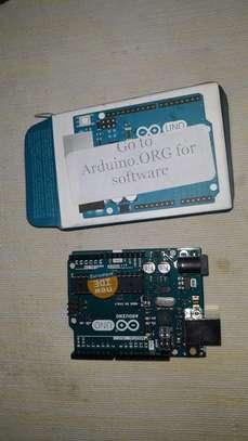 Arduino uno micro controller board image 2