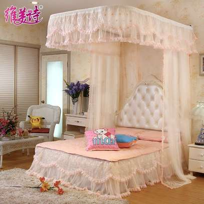 LUXURY BED CURTAIN