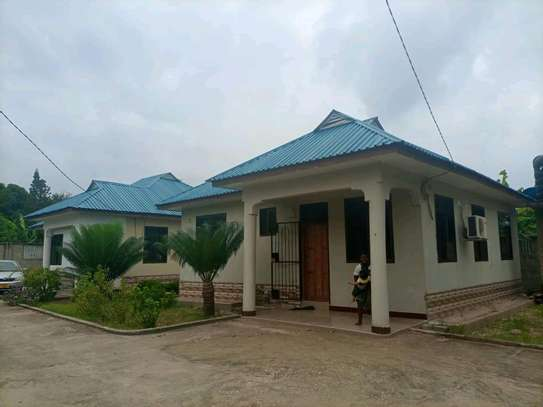 House for rent at Ununio image 1