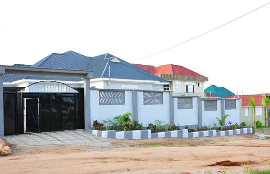 4 Bdrm House  In Kigamboni