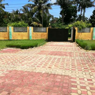 A STANDALONE HOUSE AT MBEZI BEACH IS FOR SALE ...SUITABLE FOR OFFICE OR FAMILY USE image 5