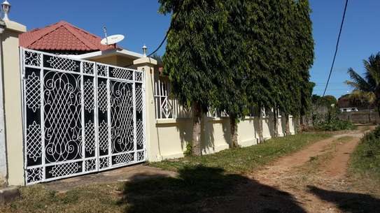 3 bed Self contained villa for rent